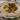 Die Grundlage eines jeden Gerichts ist Injera. Das weiche und gesäuerte Fladenbrot wird als Sättigungsbeilage auf jedem Teller mitserviert.